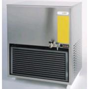 Охладитель воды накопительного типа с насосом модель: R50. фото