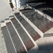 Накладки на ступени, ковры на ступени фото