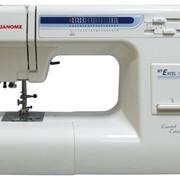 Бытовая швейная машина Janome 1221 фото