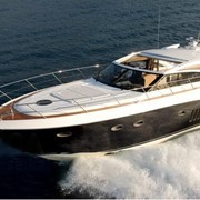 Моторная яхта Princess V62 фото