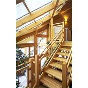 Изготовление деревянных лестниц под заказ фото