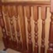Деревянные балясины из дуба, элементы лестничного интерьера фото