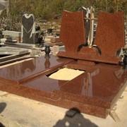 Мемориальный комплекс из коричневого гранита двойной фото