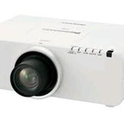 Проектор Panasonic PT-EZ570E фото
