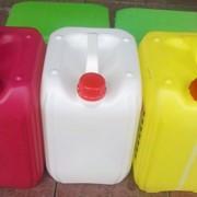 Тара пластиковая для разлива моторных масел, автохимии, строительных смесей, агрохимии, бытовой химии, пищевых и других производств. фото