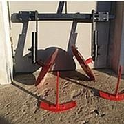 Навесное оборудование к мотоблокам и мотокультиваторам: окучники, плуги, плоскорезы, сцепки фото
