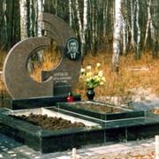 Памятник из гранита фото