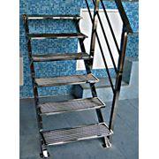 Лестницы из нержавеющей стали. Лестницы из нержавеющей стали в большом ассортименте. фото