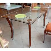Обеденные столы из стекла