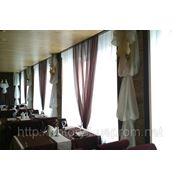 Пошив скатерти салфетки чехлы тюли шторы банкетный текстиль фото