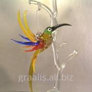 Подвесные птицы из цветного стекла в большом ассортименте фото