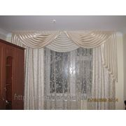 Светлые шторы в спальню фото