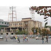 Торговое здание в центре Луганска, ул. Демехина фото