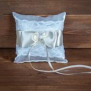 Свадебная подушечка для колец бежевая с кружевом, арт. CR-202 фото