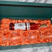 Подарочная коробка с ложементом под коньяк с бокалами фото