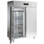Шкаф холодильный с глухой дверью SAGI серия VOYAGER фото