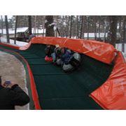 Снежные горки. Искусственное покрытие для горнолыжных склонов. фото