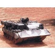 Бронированная эвауационная машина БРЭМ для эвакуации с поля боя техники танков САУ и выполнения землеройных и сварочных работ фото
