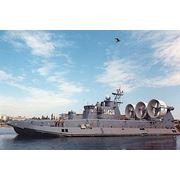 Десантный корабль Зубр для высадки на необорудованное побережье личного состава передовых отрядов морских десантов и боевой техники и огневой поддержки их действий на берегу. фото