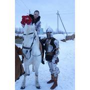 Доставка цветов рыцарями Минск, выезд по Беларуси фото