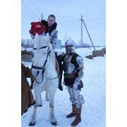 Вручение цветов рыцарем. Минск, Выезд в любую точку Беларуси фото