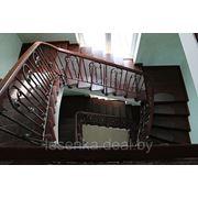 Многоуровневая лестница из массива ясеня фото