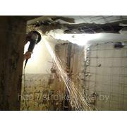 Разрушение бетонных конструкций в санузле , демонтаж атматуры фото