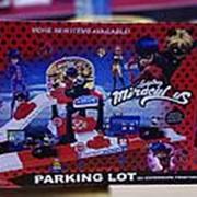Набор леди Баг на машинках паркинг фото