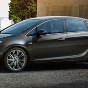 Автомобиль Opel Astra седан фото