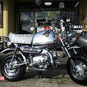 Мопед мокик Honda Monkey Gorilla рама Z50J гв 1999 Minibike корзина и задний багажник пробег 37 км серебристый фото