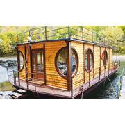 Плавающие суда отельного типа дом на воде. фото