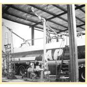 Стояк автоналивной универсальный телескопический САУТ для дистанционного управления верхним и нижним наливом автоцистерн светлыми нефтепродуктами на нефтеналивных станциях нефтебаз и измерения количества отпущенного нефтепродукта в единицах объема (массы) фото
