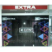 Оклейка витрин плёнкой с полноцветной печатью фото