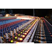 Звуковое и световое оборудование фото