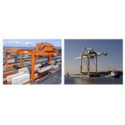 Краны подъемные для перемещения грузов в доках и портах фото