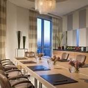 Услуги резервирования мест в гостиницах, отелях, Услуги приема заказов на билеты и резервирования мест в гостиницах, отелях фото
