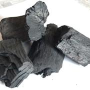 Древесный уголь из лиственных пород дерева от производителя фото