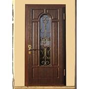 Дверь металлическая со стеклопакетом и ковкой фото