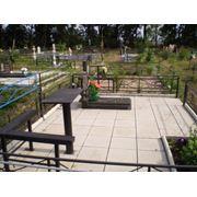 Укладка плитки на кладбищах фото