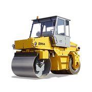 Каток дорожный ДМ-64 самоходный комбинированный вибрационный для уплотнения дорожных оснований и покрытий из различных дорожно-строительных материалов. фото