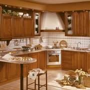 Кухонный гарнитур деревянный классический фото
