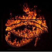 Световое огненно-пиротехническое шоу надписи светом и огнем фото