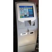 Платежный терминал напольный Пингвин фото