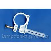 Обойма для труб и кабеля d 20-22 mm с ударным шурупом фото