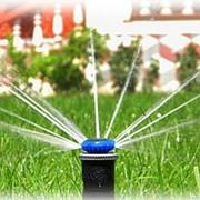 Установка системы автоматического полива фото