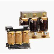 Сетевой дроссель цепи переменного тока применяется для подавления гармоник (гармонических составляющих токов и напряжений) со стороны питающей сети фото