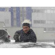 Уборка снега с крыш удаление сосулек и наледи. фото