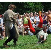Трюки для кино, каскадеры. Батальные сцены, рукопашный бой, фехтование, конные трюки фото