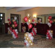 Украшение интерьера помещения фигурами из воздушных шаров