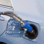 Заправка автомобилей сжатым газом метаном фото